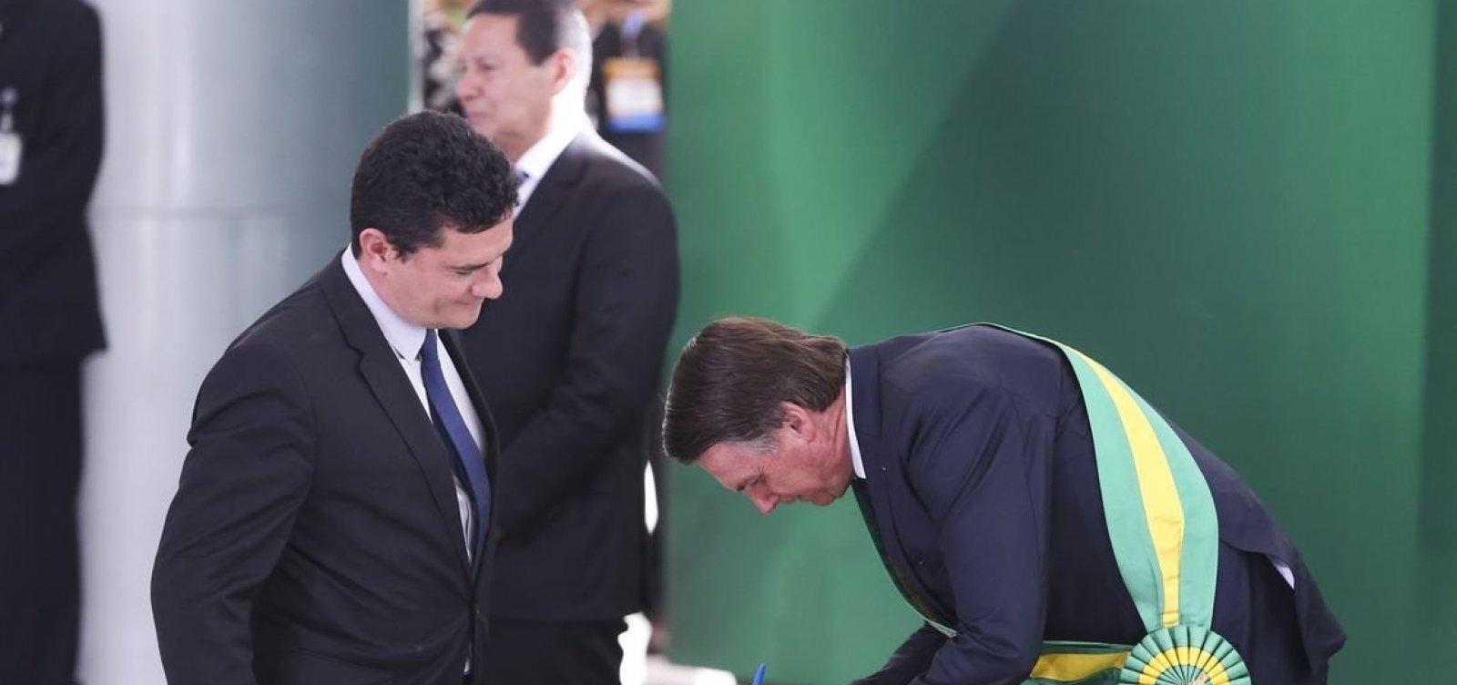 Bolsonaro descarta planos para Moro como vice em 2022: 'Por enquanto estou casado com Mourão'