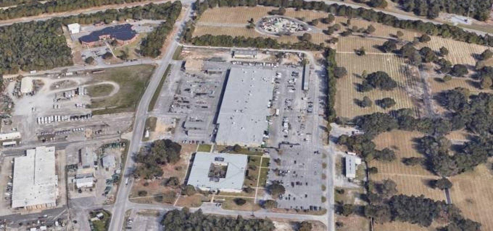 Atirador mata três pessoas e deixa sete feridos em base aeronaval na Flórida