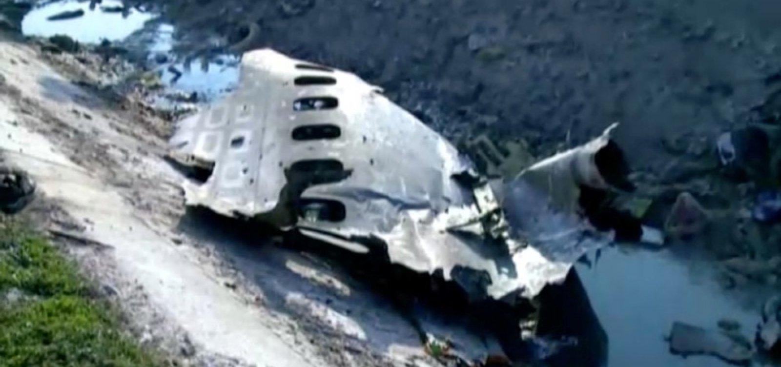 Queda de avião ucraniano no Irã deixa mais de 170 mortos