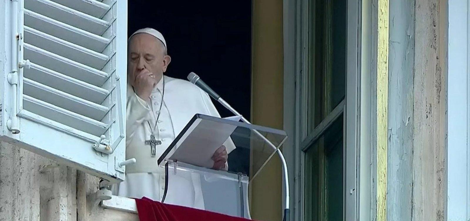 Teste do Papa Francisco para coronavírus dá negativo