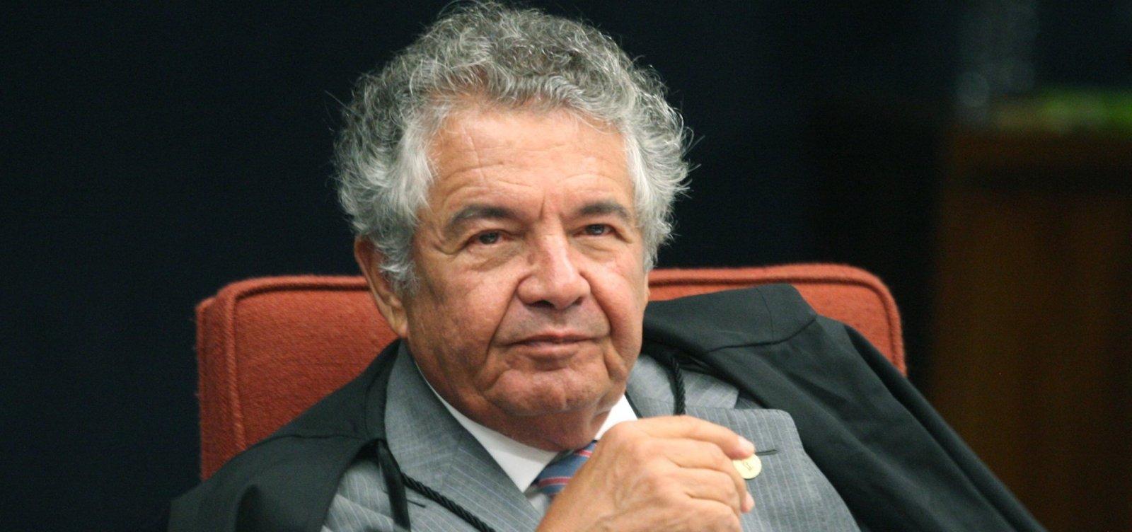Ministro do STF encaminha à PGR pedido de afastamento de Bolsonaro