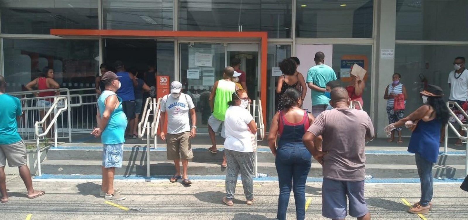 Bancos na Calçada e em Paripe são interditados após descumprirem decreto de distância entre clientes
