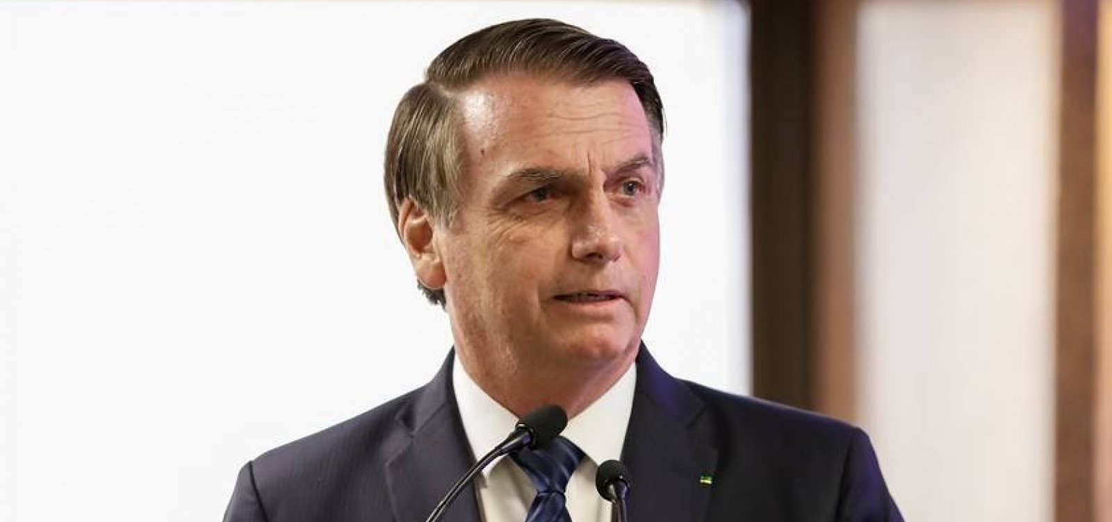 Após repercussão negativa, Bolsonaro desiste de churrasco no Alvorada