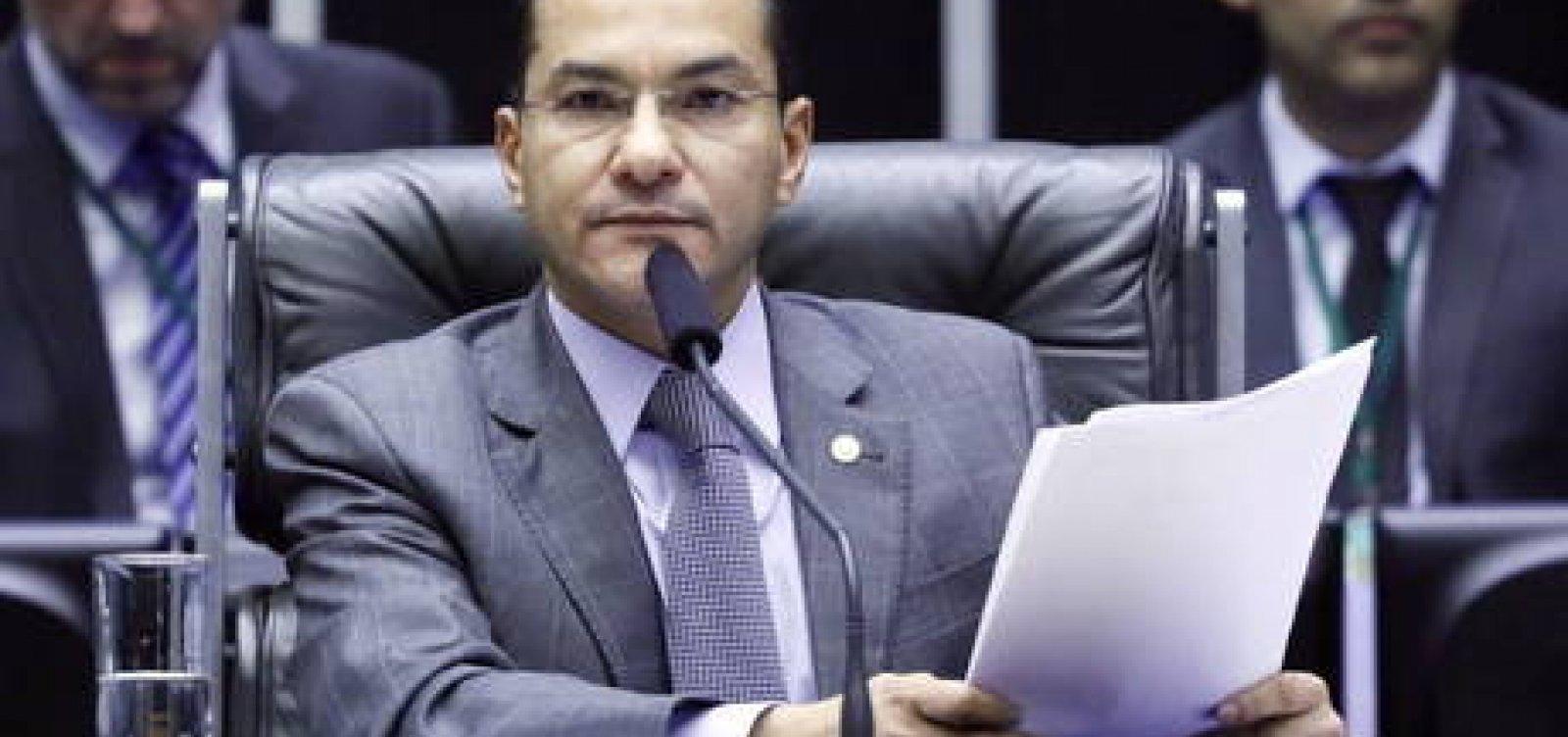 Após contrapartidas, líderes do Centrão admitem adiar eleição