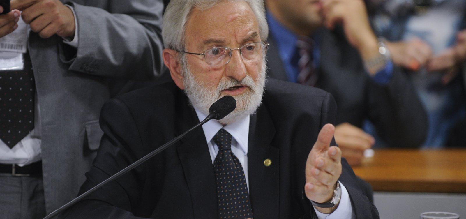 Ivan Valente diz que se Bolsonaro for confirmado com coronavírus 'vai ter simbologia muito forte'