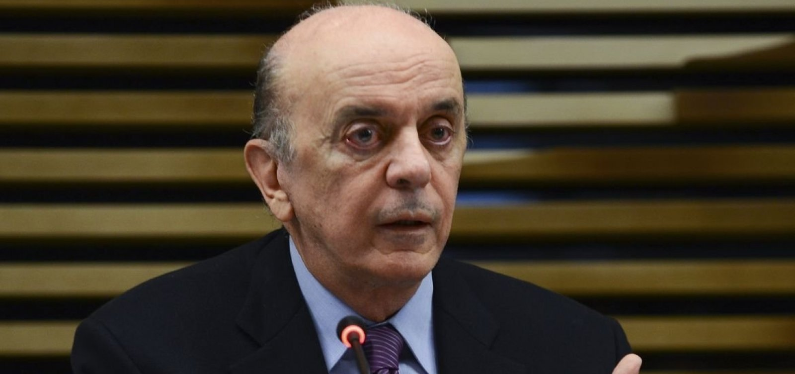Após decisão de Toffoli, juiz suspende ação que tornou Serra réu por lavagem de dinheiro