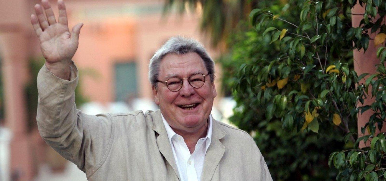 Diretor de 'Expresso da Meia-Noite', Alan Parker morre aos 76 anos