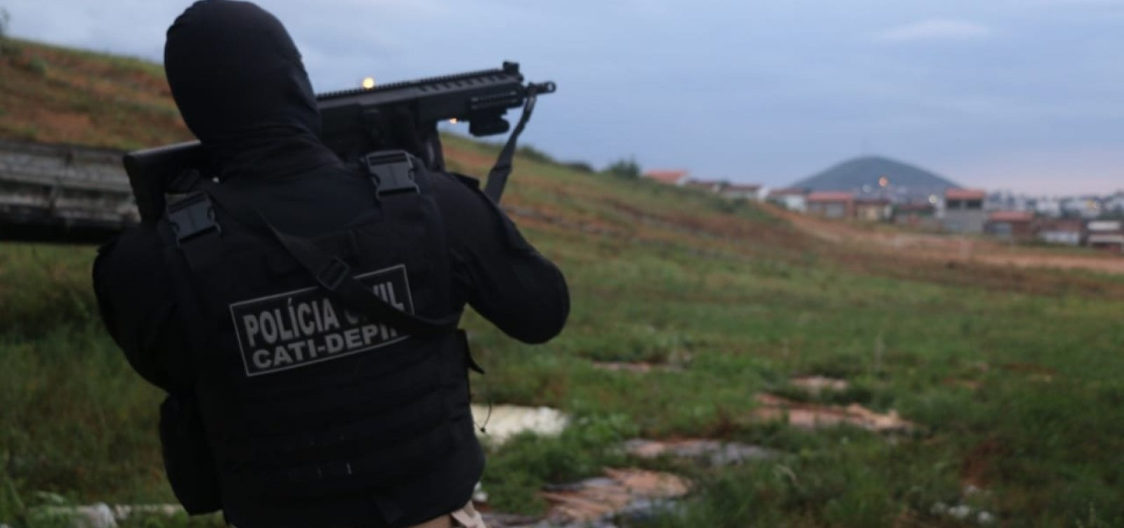 Polícia Civil cumpre mandados contra facções em cinco cidades baianas