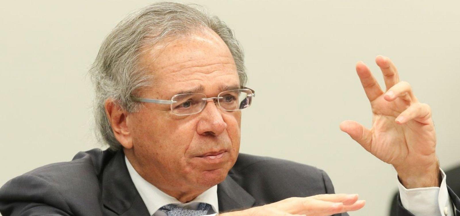 Brasil está oficialmente saindo da recessão, diz Guedes